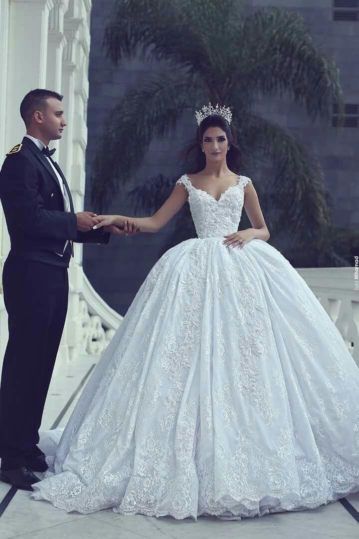 Pin by Shiffa Bansal on bridal collection | Pinterest | Wedding ...