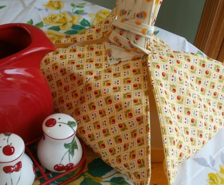 Sewing: Sunshine and Cherries Casserole Carrier
