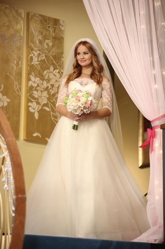 All the Details of Debby Ryan's 'Jessie' Wedding Dress ...