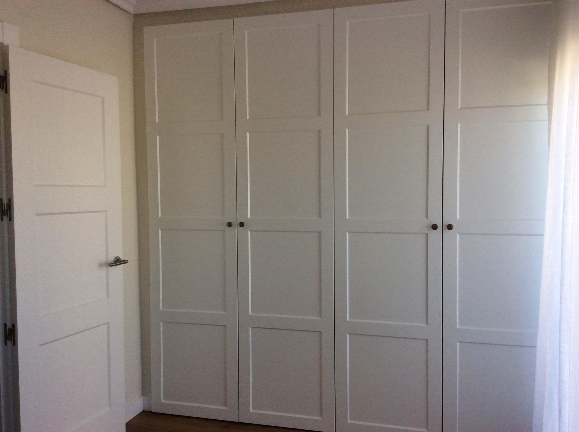 Armario plafones marco chafl n armario lacado blanco seda mate modelo marco 7 chafl n - Muebles el chaflan ...