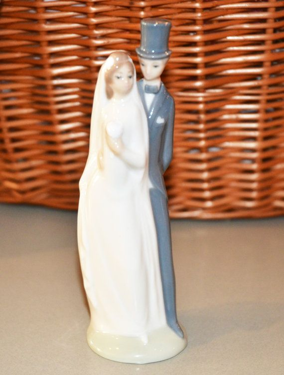 Nao Lladro Bride And Groom Figurine Collectible Wedding Cake Topper Vintage Style