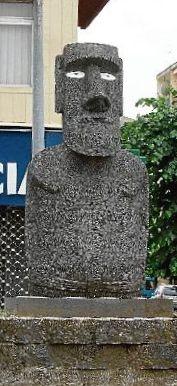 Moai de Olot sin  pukao