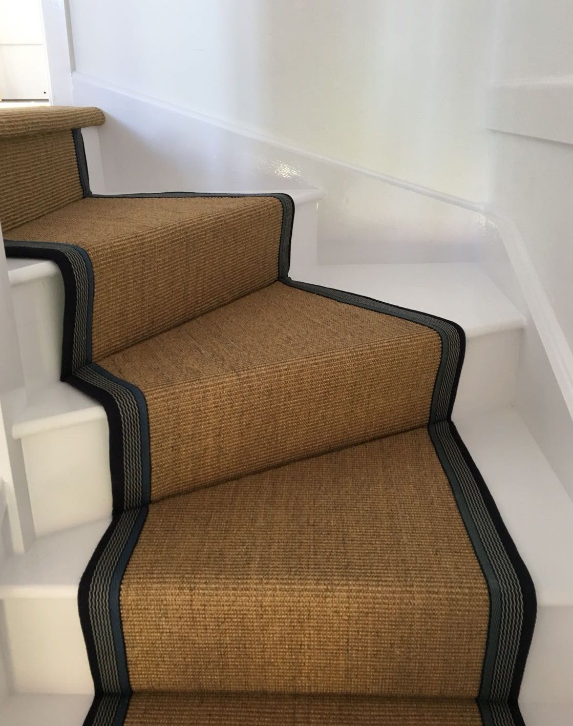 Best Sisal Carpet Fitted As A Bespoke Taped Stair Runner With 640 x 480