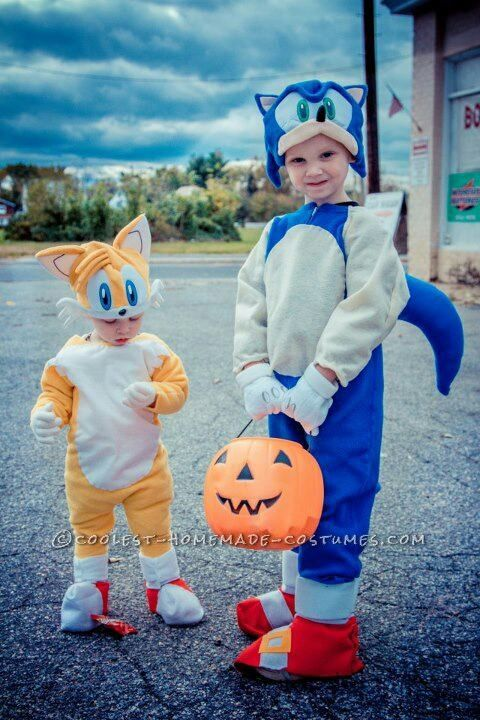 Cutest Sonic and Tails Homemade Costume... This website is the Pinterest of costumes  sc 1 st  Pinterest & Cutest Sonic and Tails Homemade Costume | Coolest Homemade Costumes ...