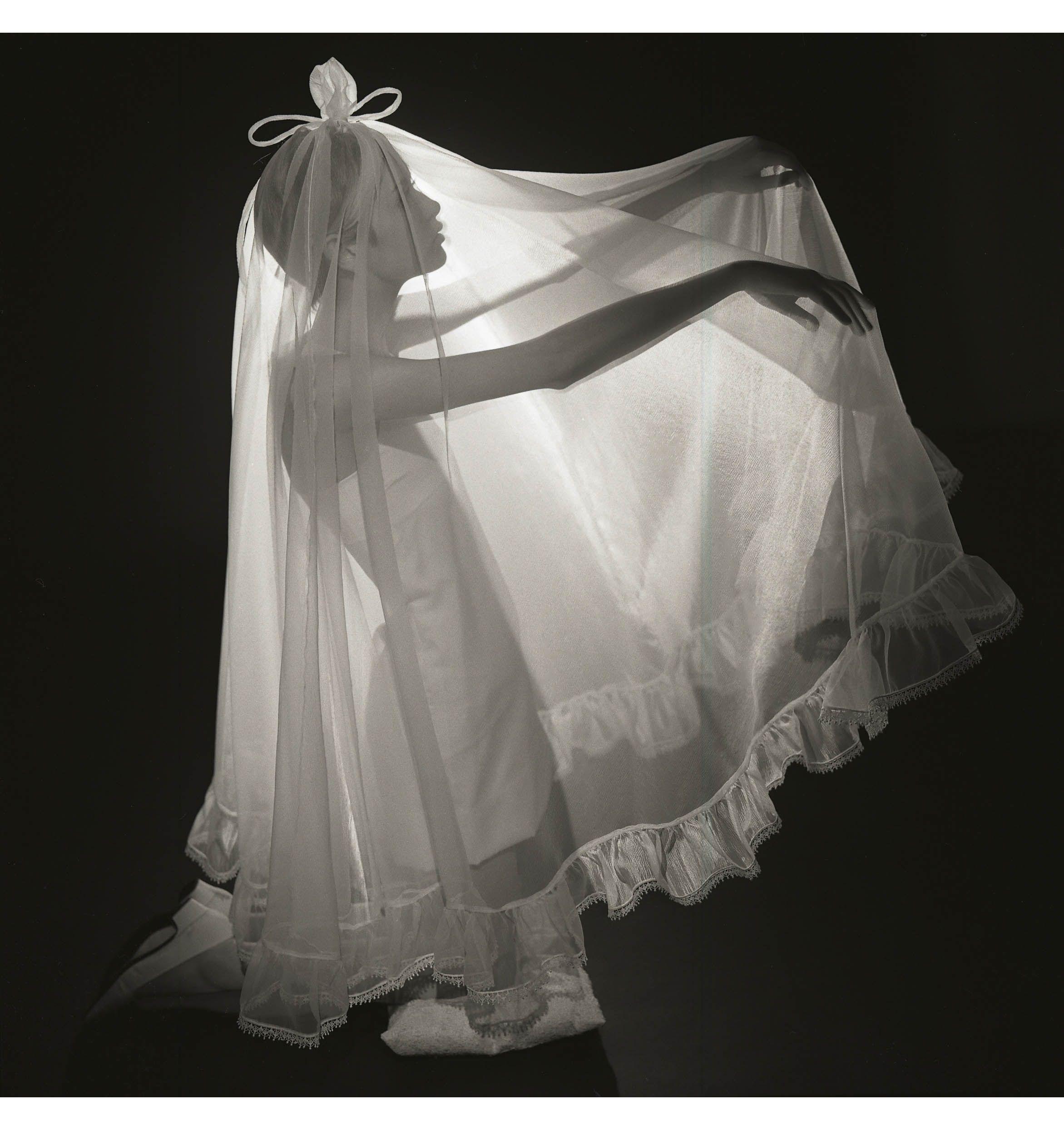 White Weddings Twiggy British Vogue February 1967 Photo