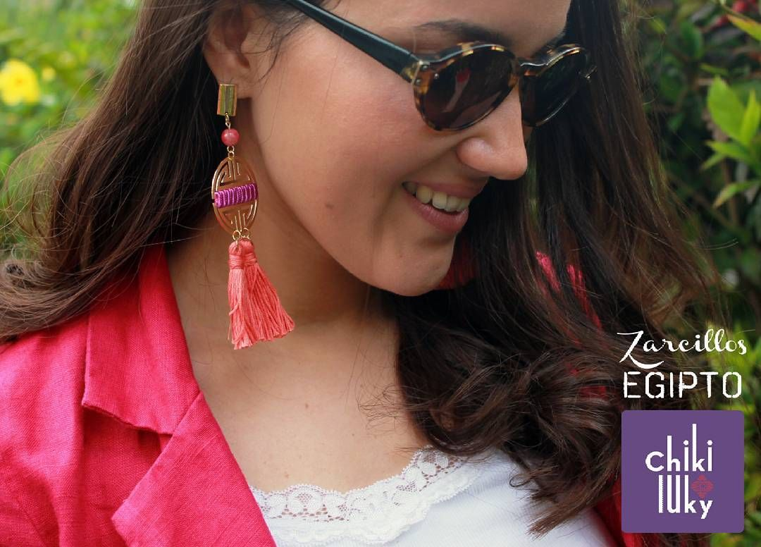 Un toquecito de dorado para el viernes rumbero! #nuevatemporada  A touch of gold for party-friday! #newseason  #ZarcillosChikiluky #Earrings #zarcillos #hechoamano #handmade #caracas #Venezuela #ootd #fashion #trendy #modacaracas #moda #fashionista #fashion #accessories #trendy #designersvenezuela #Viernes #Friday #Boho #new