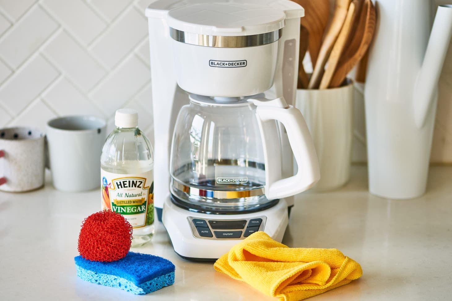 How To Clean A Coffee Maker Diy Gold Coffee Coffee Store