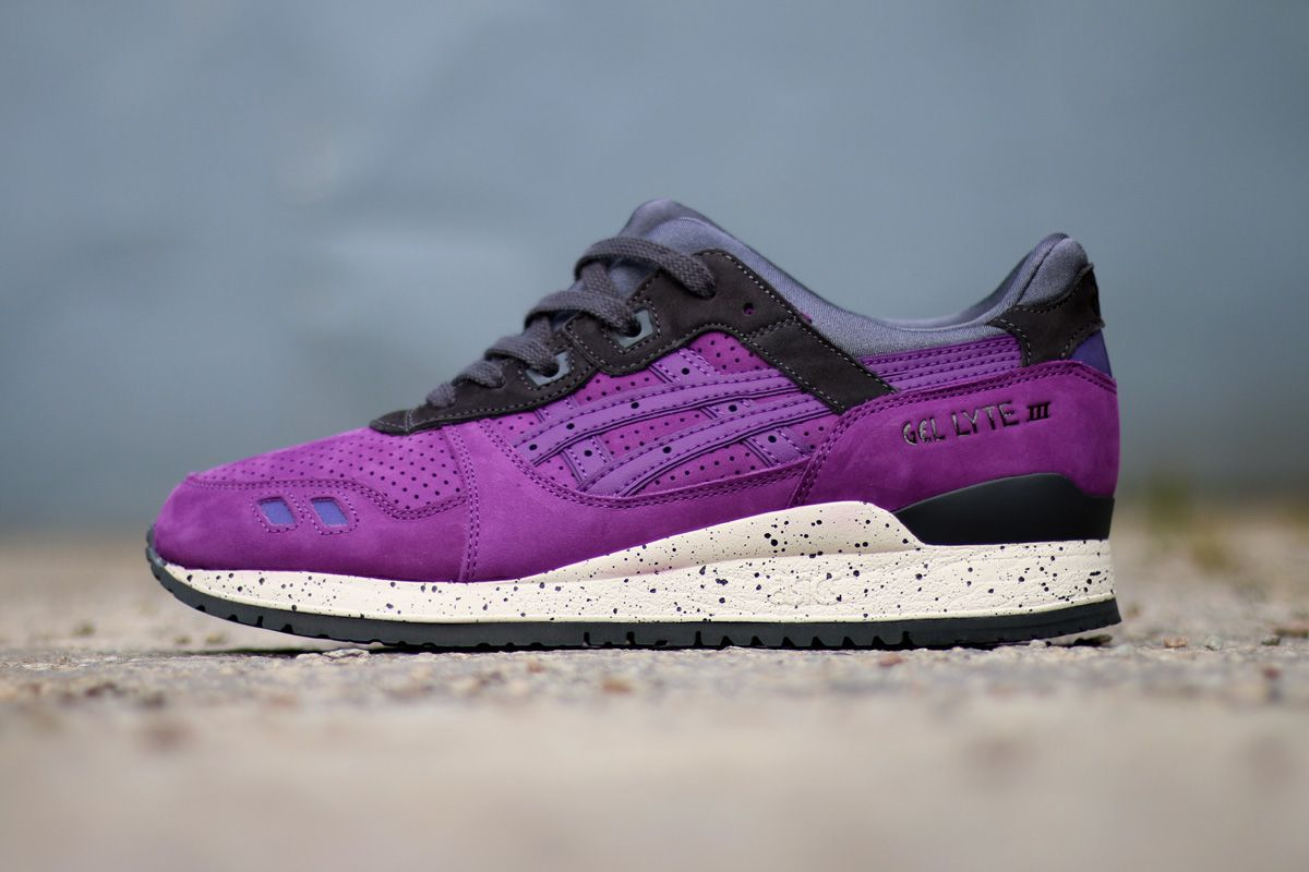 asics outlet hours
