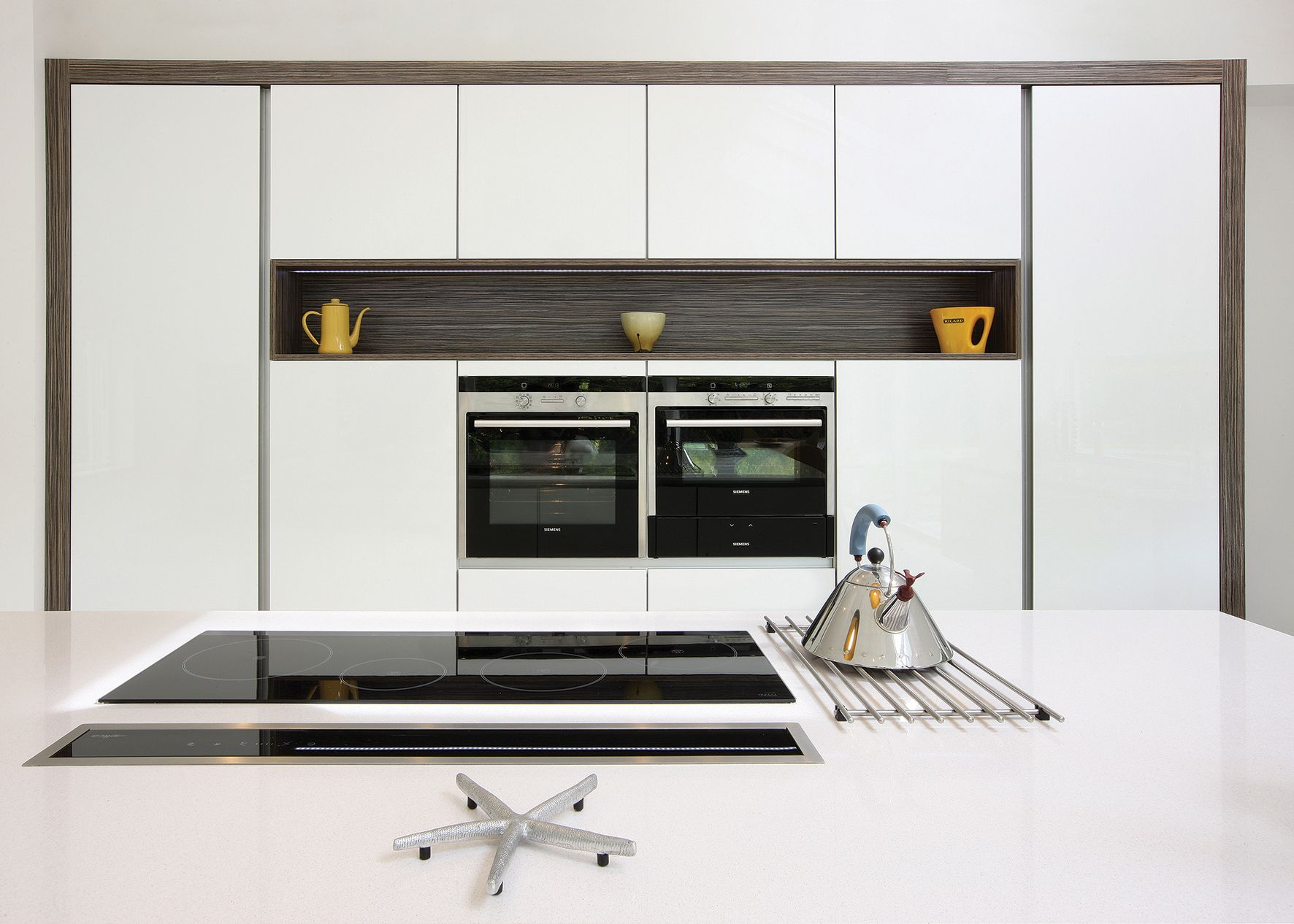 White kitchen with zebrano frame Modern kitchen, White