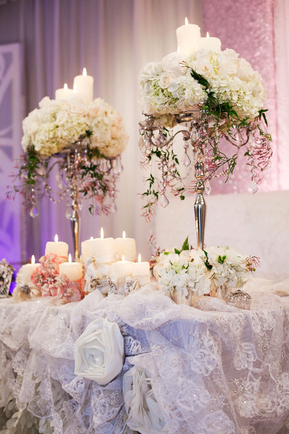 37 Elegant Floral Centerpieces For Wedding Table