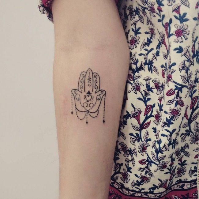 9d0611989 Hamsa Tattoo PLACEMENT | Body Art | Hamsa tattoo, Hamsa tattoo ...
