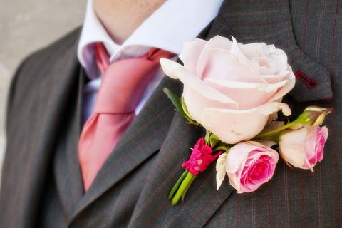 I like the small roses in the boutonniere