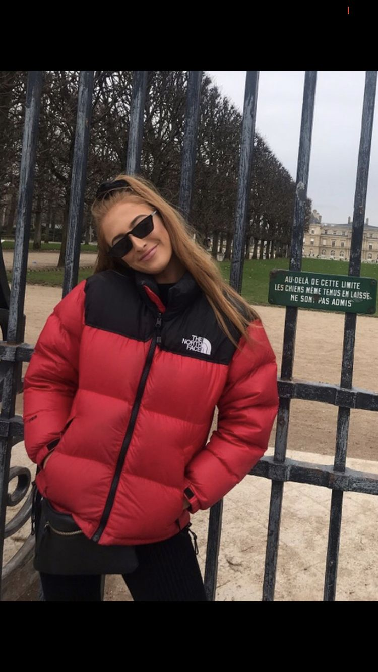 Pin By Luis Gabriel Correia Botelho L On Puffer Coat North Face Jacket Outfit Red North Face Jacket North Face Puffy Jacket [ 1334 x 750 Pixel ]