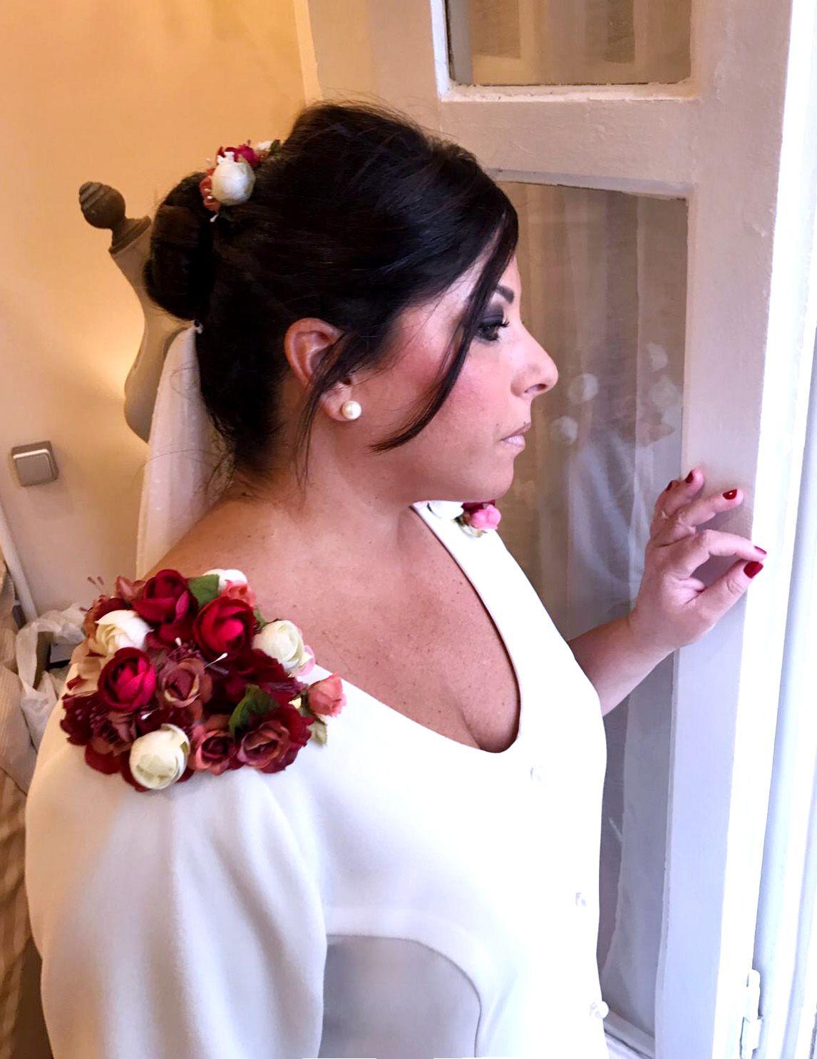 Vestido de novia Mila Falcón. www.milafalcon.wordpress.com   My ...