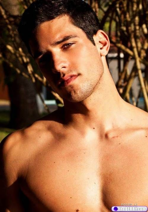 Sexy Shirtless Hot Men : theBERRY