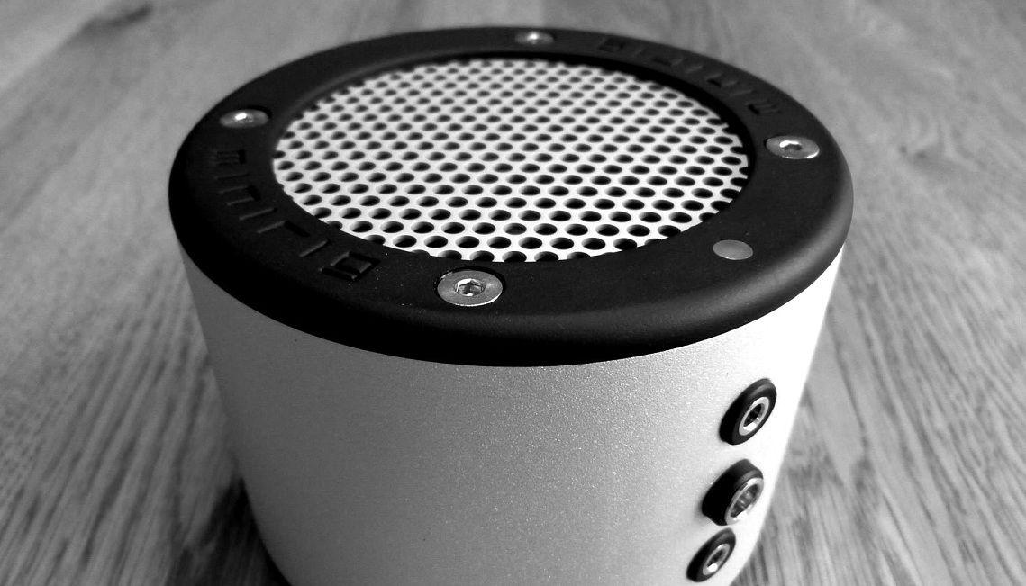 minirig portable speaker test in deutsch deutsch. Black Bedroom Furniture Sets. Home Design Ideas