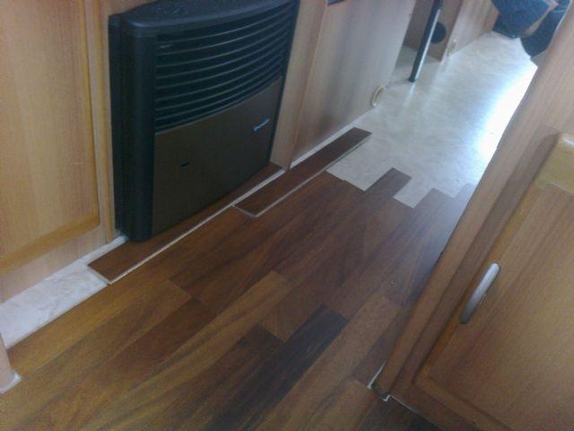 Idee Per Interni Roulotte : Pavimento in legno rimor superbrig fai da te camper interni idee e