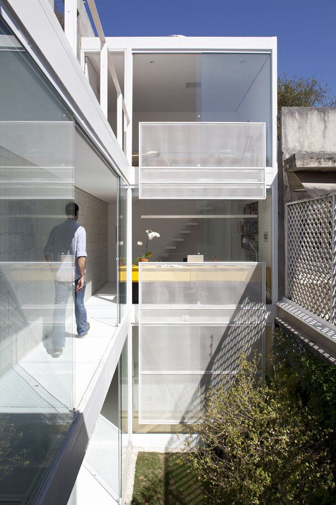 Leibal: 4x30 House by FGMF Architects