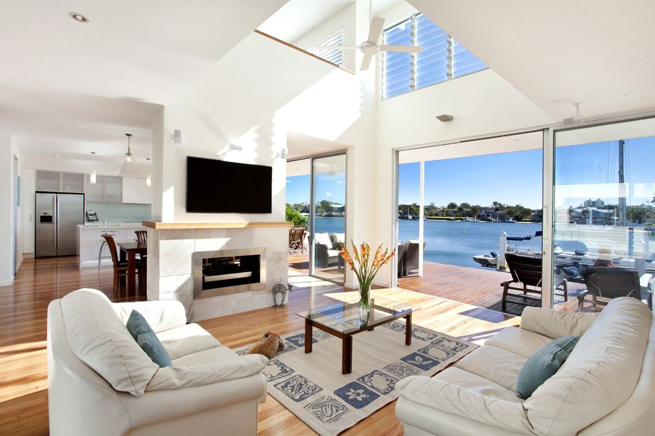 Best Airy Beachfront Home With Contemporary Casual Style 400 x 300