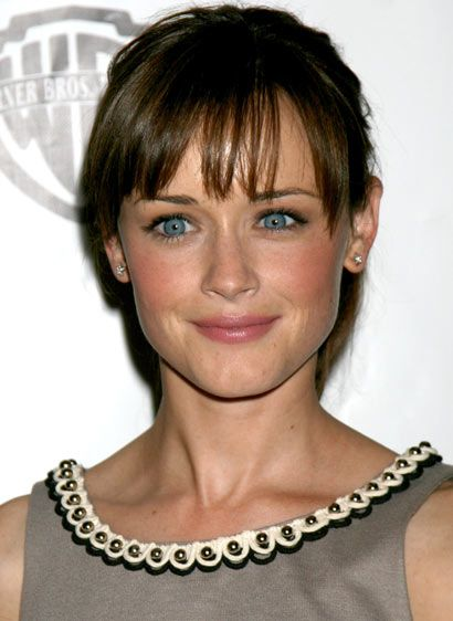 bangs. Doing it. And her gorgeous blue eyes would be nice too, please and thank you!