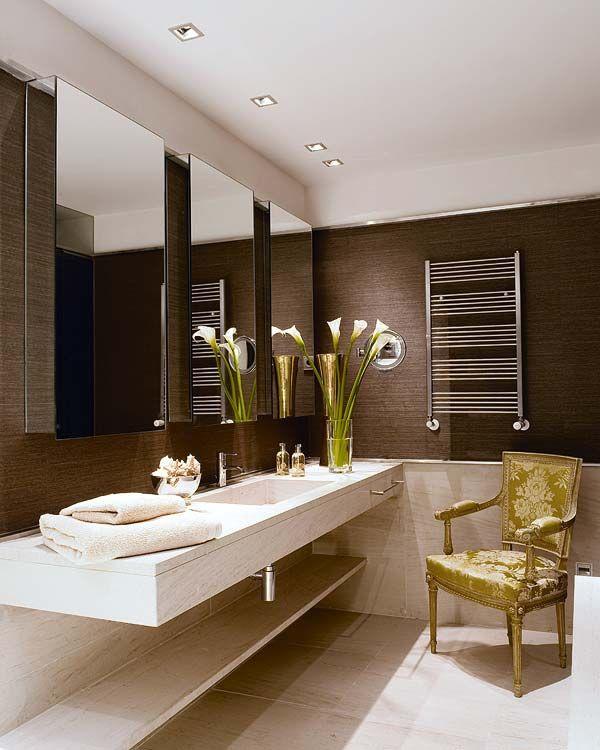 Bathroom by interior designer Luis Puerta. Courtesy of Nuevo Estilo ...