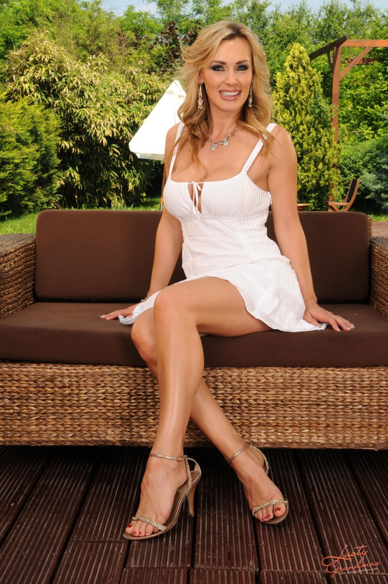 Washington Cougars Sexy White Lace Babydoll Negligee Teddy
