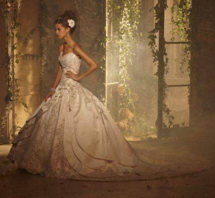 Amalia Carrara Bridal Gown | Someday Wedding Ideas | Pinterest