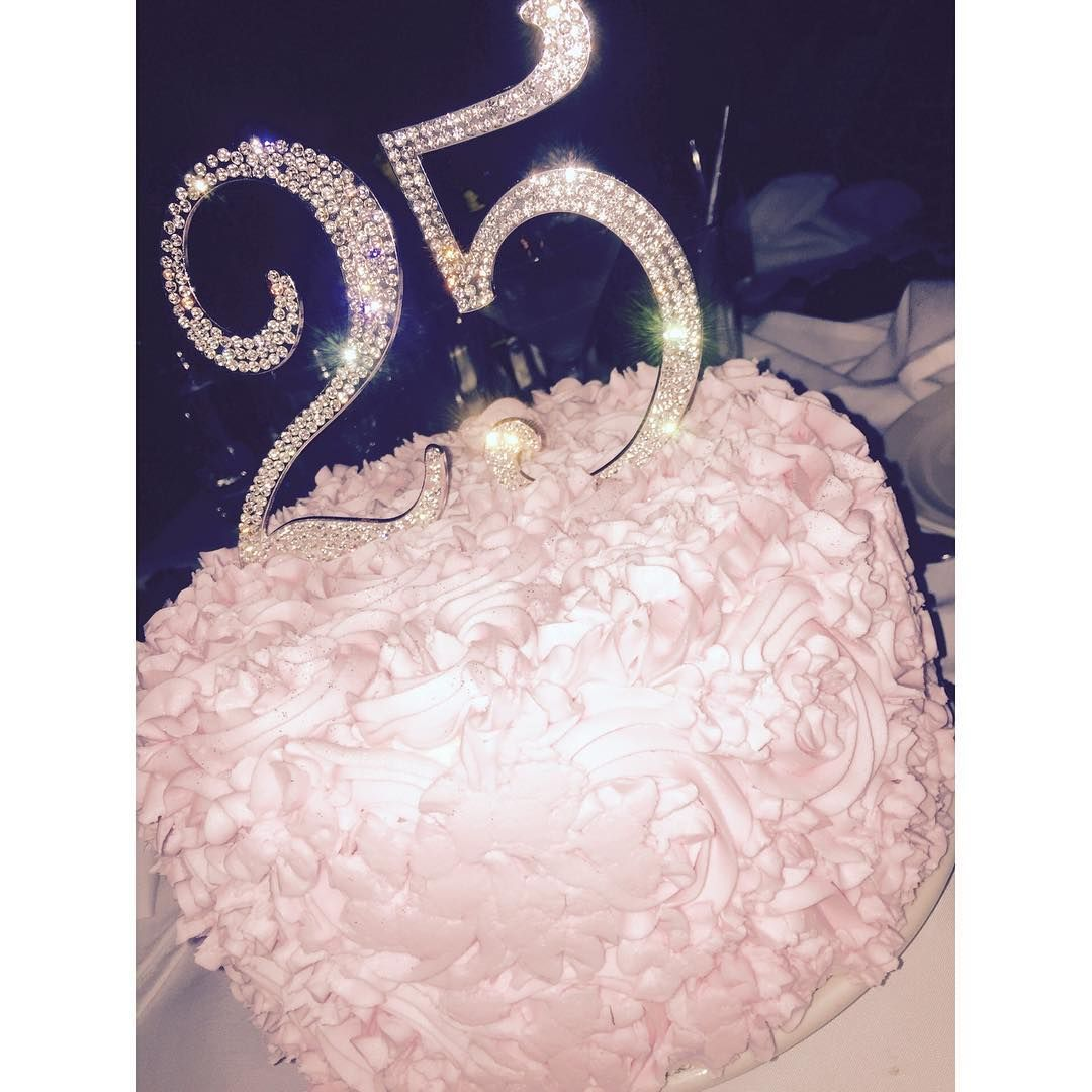 See This Instagram Photo By Parischanel O 1189 Likes Chanel Torte 16th Birthday