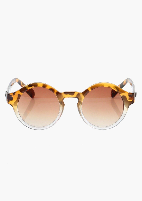 84de5ed45d4c8 Lentes Ray Ban. Anteojos. Elegante · Annabell Quay Sunglasses - these are  amazing!  35 Bolsas, Traje De Playa, Moda