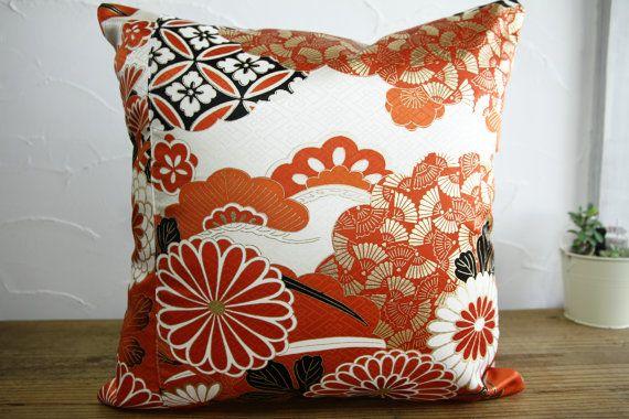 Kimono Style - Kimono pillow cover - Kawaii Japanese vintage silk kimono pillow cover - 16x16 - Made in Japan - 0173