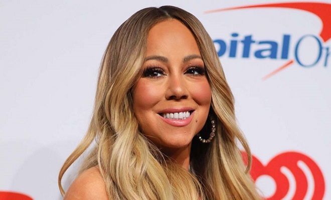 Akykloforhto Yliko Apo Thn Dhmioyrgia Toy Binteoklip Mariah Carey Christmas Mariah Carey Cute Diy Hair Accessories