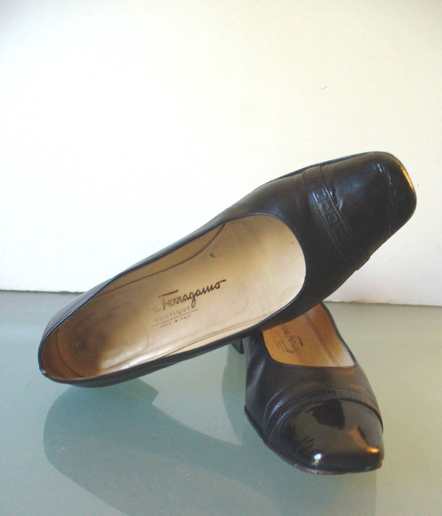 2ebe80b09c5 Made in Italy Salvatore Ferragamo Cap Toe Flats Size 8.5B US by ...