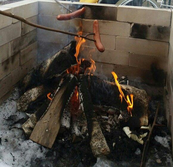 Kevään ensimmäiset grillimakkarat