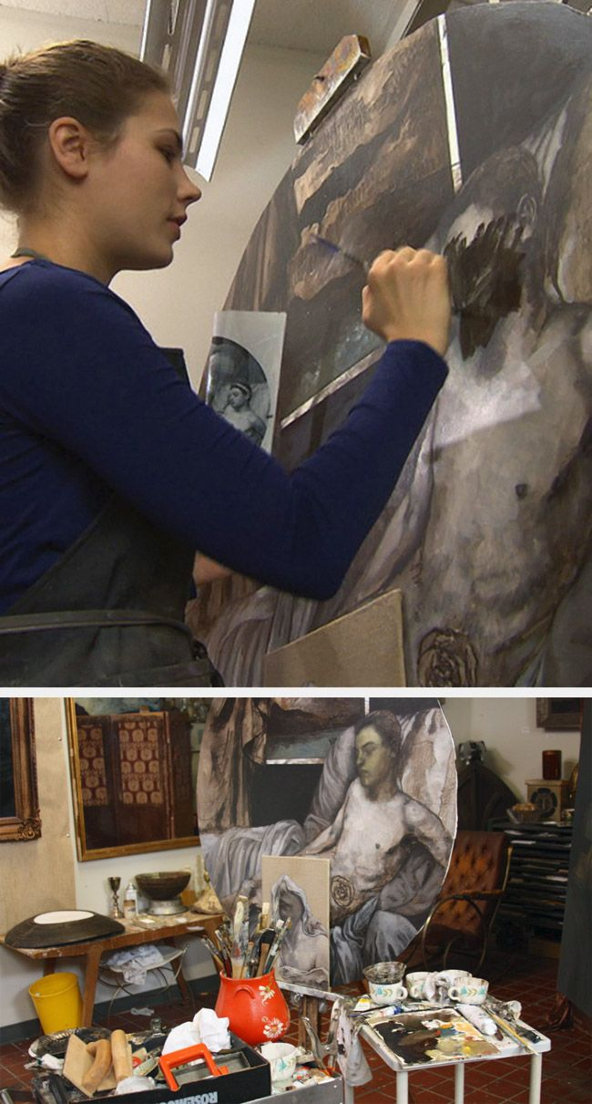 Caitlin Karolczak painting in her art studio #workspace studiosilenti.com