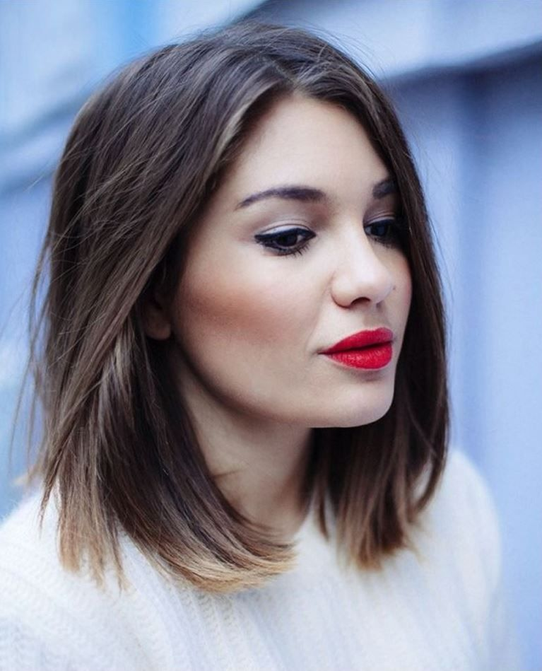 Advice On Shoulder Alignment Of Hair And Hair Colors Undoubtedly One Of The Most Trendy Orta Uzunlukta Sac Modelleri Bob Sac Modelleri Sac Kesim Modelleri