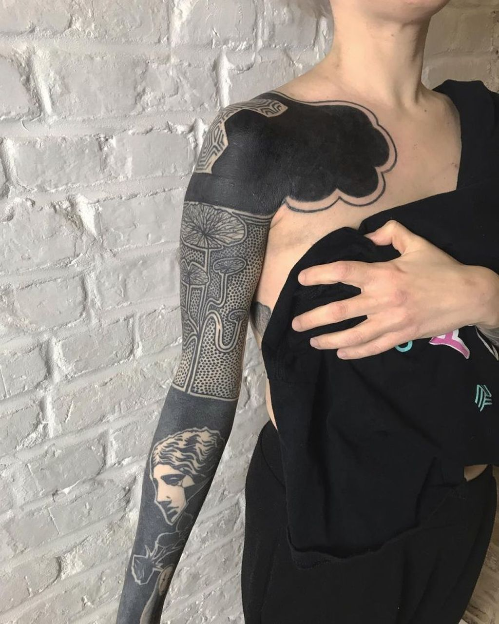 30 Classy Sleeve Tattoo Design Ideas To Inspire For Women Solid Black Tattoo Black Sleeve Tattoo Sleeve Tattoos