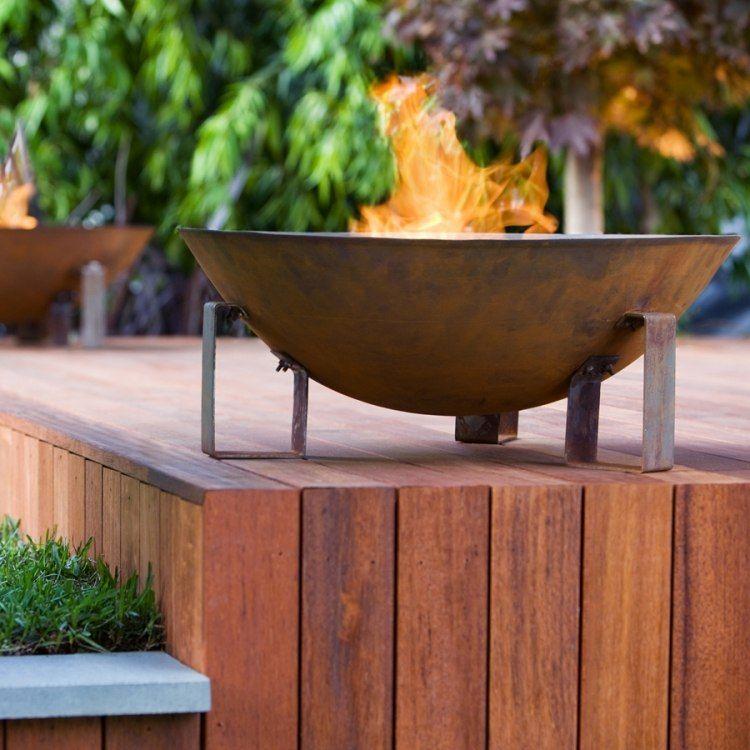 Feuerschalen aus cortenstahl sind moderne und praktische alternative zur feuerstelle - Offene feuerstelle im garten ...