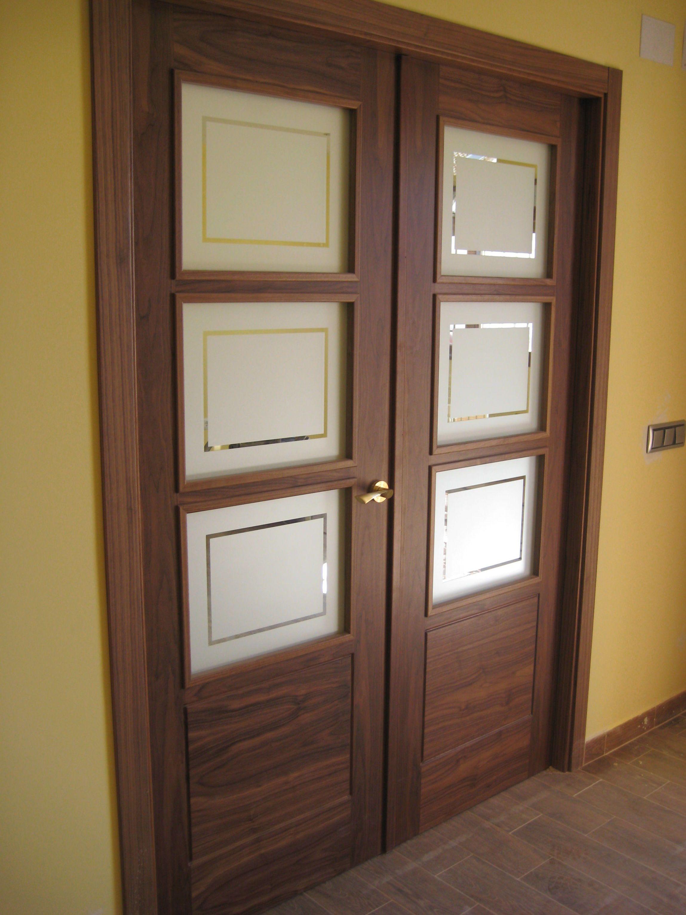 Puerta Doble De Salón Modelo 8400 V3 En Nogal Puertas De Aluminio Modernas Puertas Interiores De Vidrio Diseño De Puerta De Madera