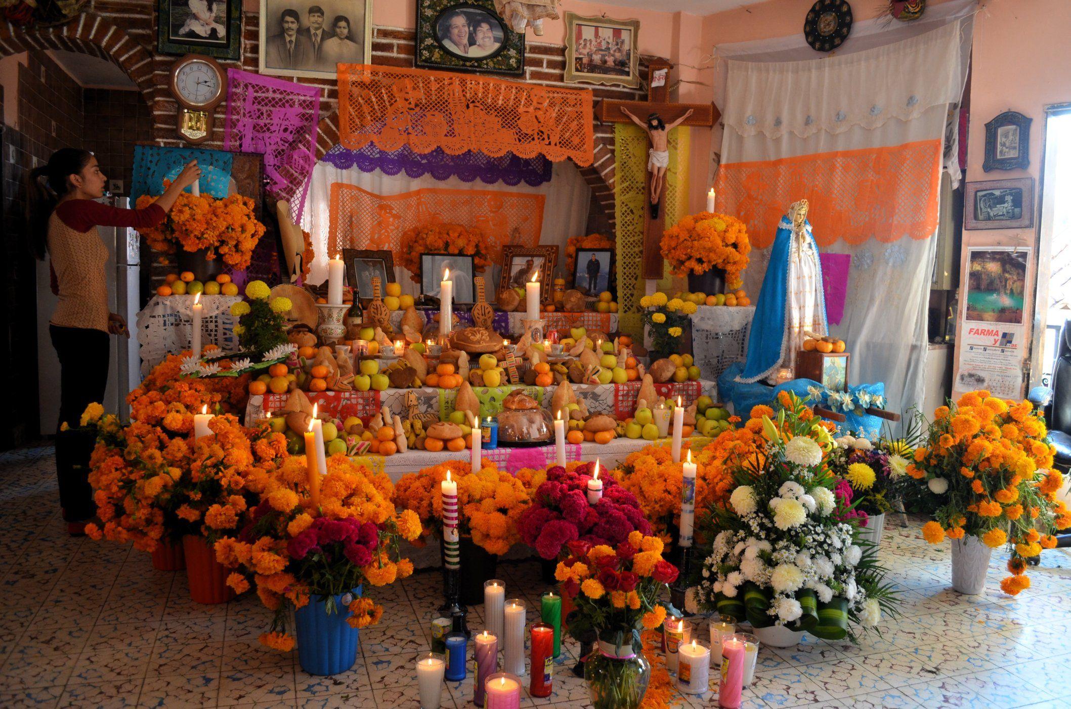 Olinala Rinde Homenaje A Sus Muertos Con Color Y Sabor Con