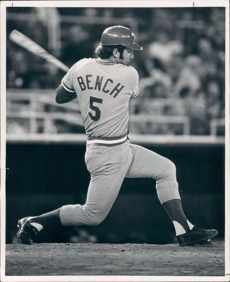 Pin By Frank Blanco On Sports Johnny Bench Major League Baseball Players Cincinnati Reds Poster