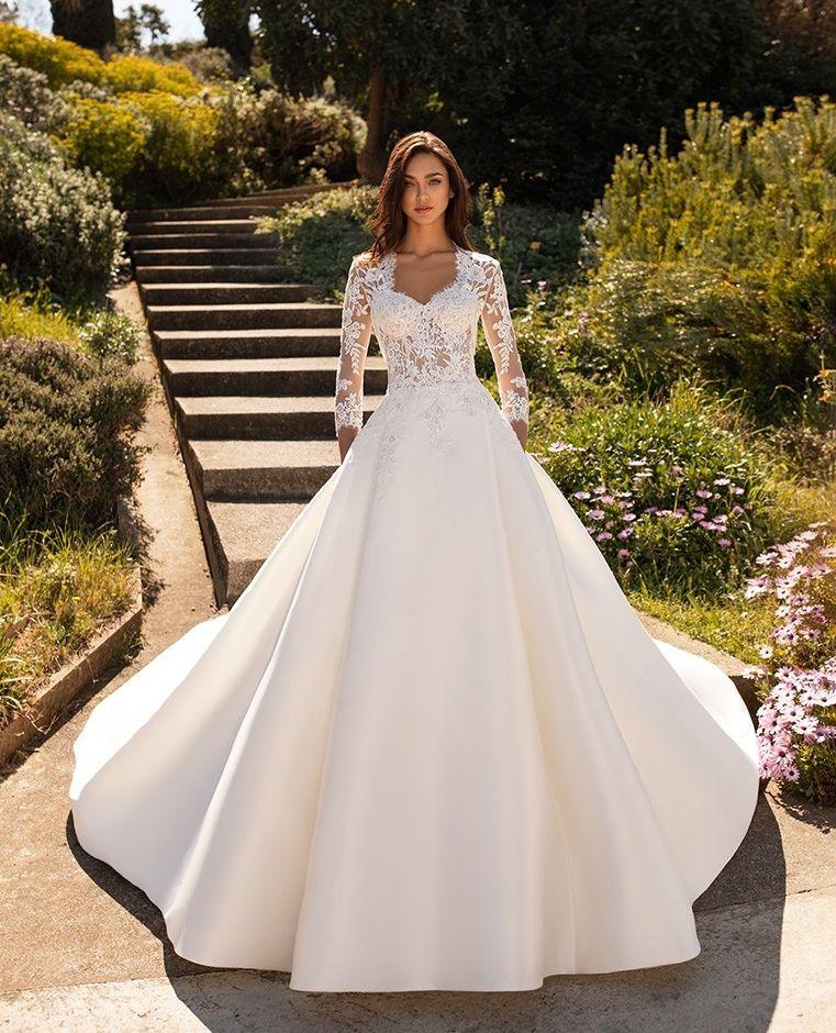 Phoenicia Dress With Jacket From Pronovias2020 Pronovias Pronoviasbrides Pronovias Ball Gowns Wedding Wedding Dresses Lace Ballgown Ball Gown Wedding Dress