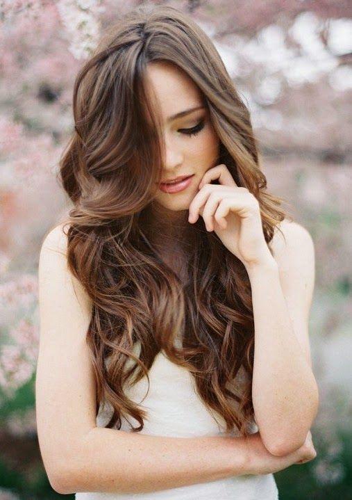 Wavy hair is so beautiful! It isn\'t curly, yet isn\'t straight, tis ...