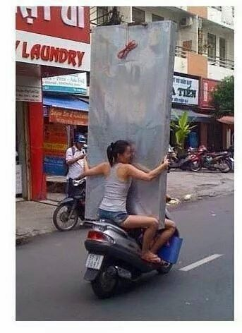 wow !!! HOLD ON TIGHT GIRL ,,,