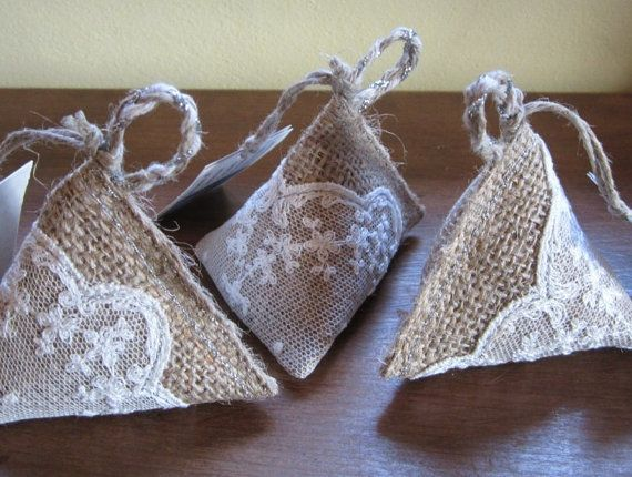 Pyramid Lavender Bag/sachet In Hessian & Lace With By