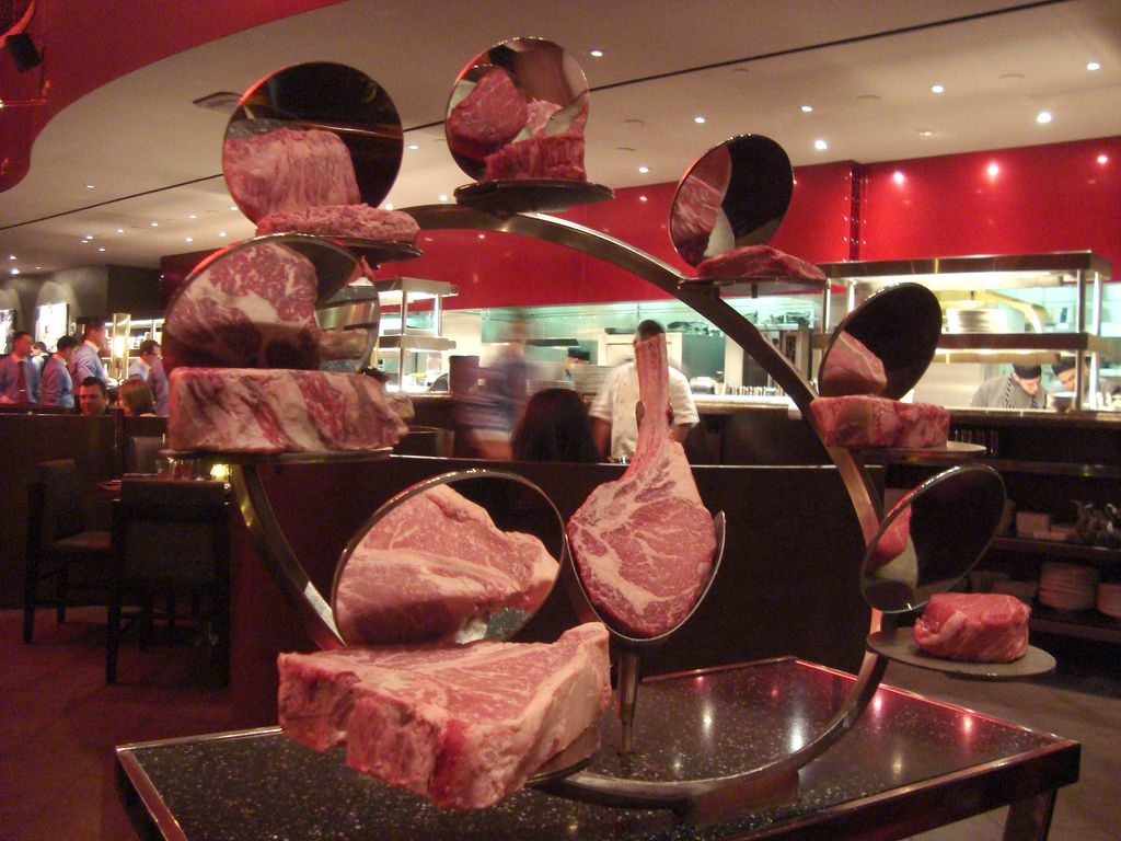 Meat Cart At Gordon Ramsay Steak Las Vegas Gordon Ramsay Steak Steak Las Vegas Gordon Ramsay