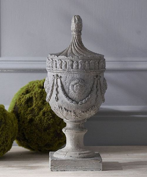 Wood effect decorative urn