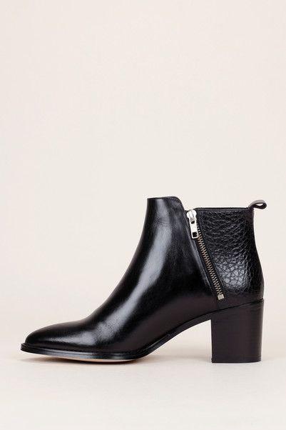 446239d1cd75 Boots zippées en cuir et cuir grainé noir - Jonak