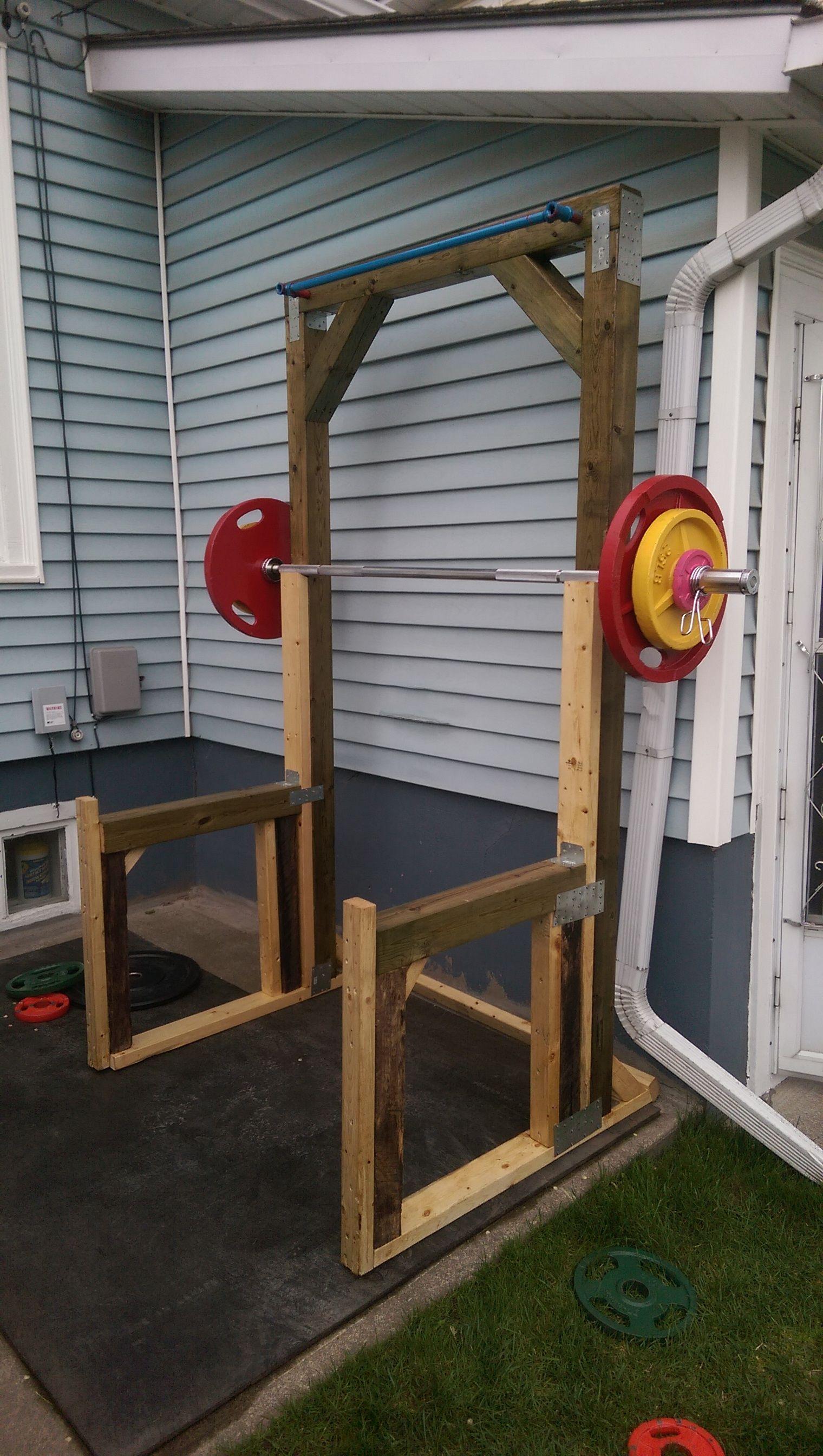 Homemade squat rack Diy home gym, Backyard gym, Diy gym