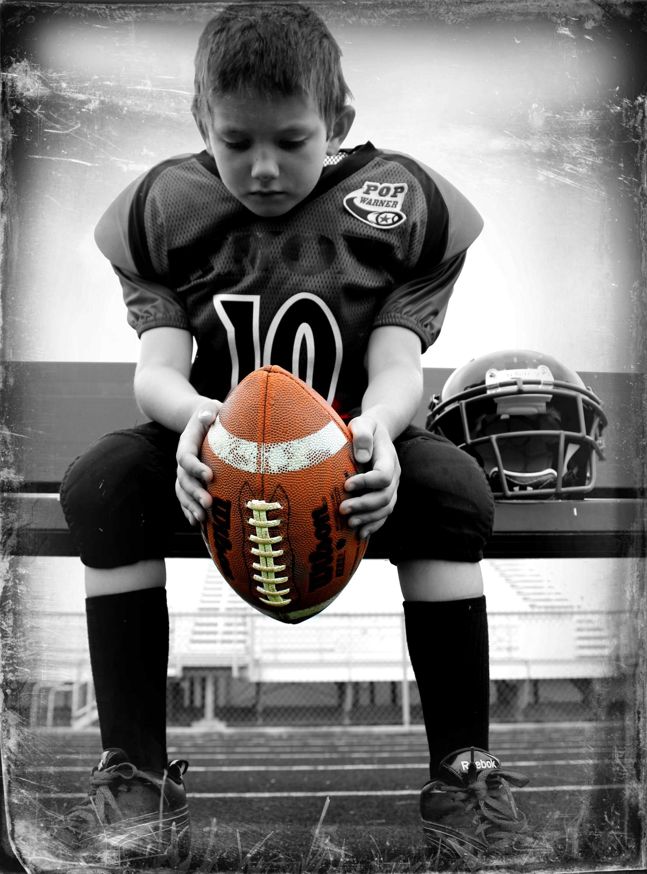 Pin by Cathy Short on FOOTBALL | Football poses, Football ...