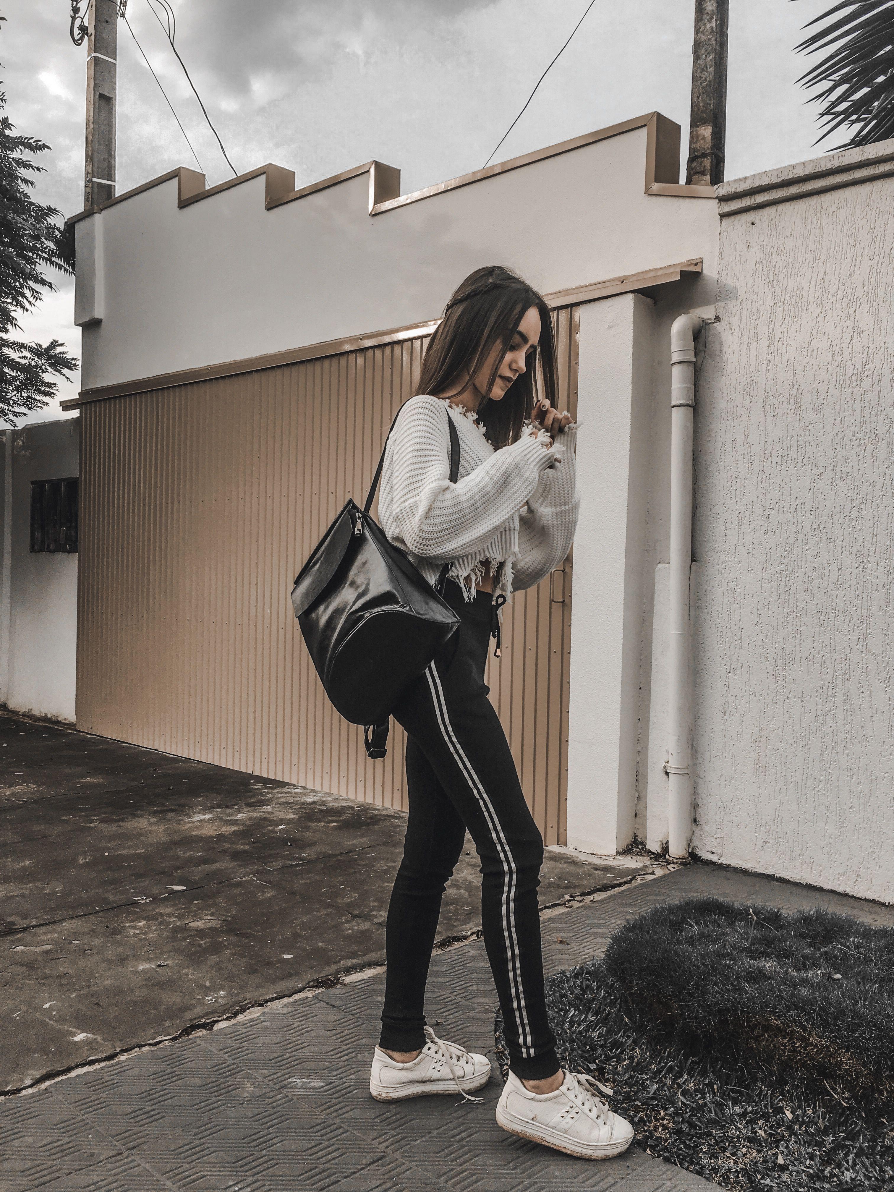 4a4961a405 Foto tumblr usando roupas de loja gringa. | fotitos em 2019 | Roupas ...